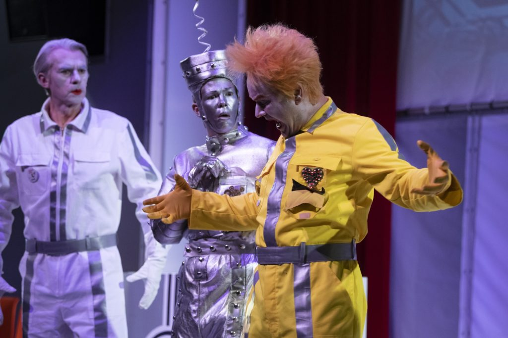 "Roboter ""Thea"" beim Thalia-Fasching 2020"