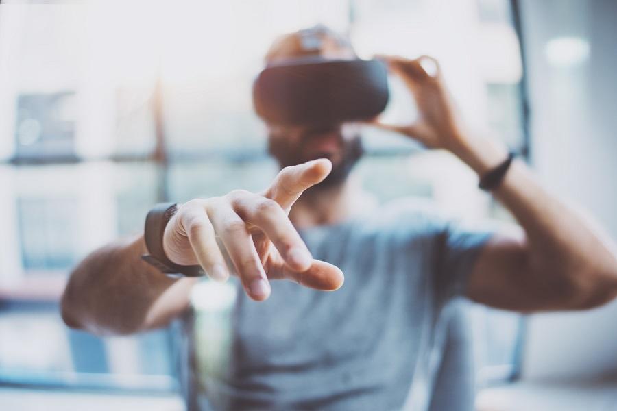 """Projekt """"VR-Therapie zur Behandlung von COVID-19-Atemwegserkrankungen"""" gestartet"""